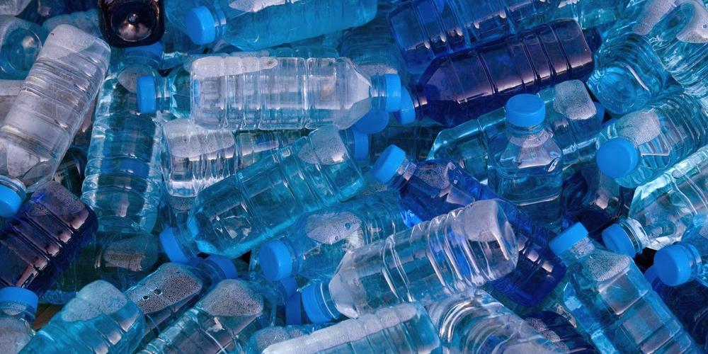 garrafa-de-agua-mineral