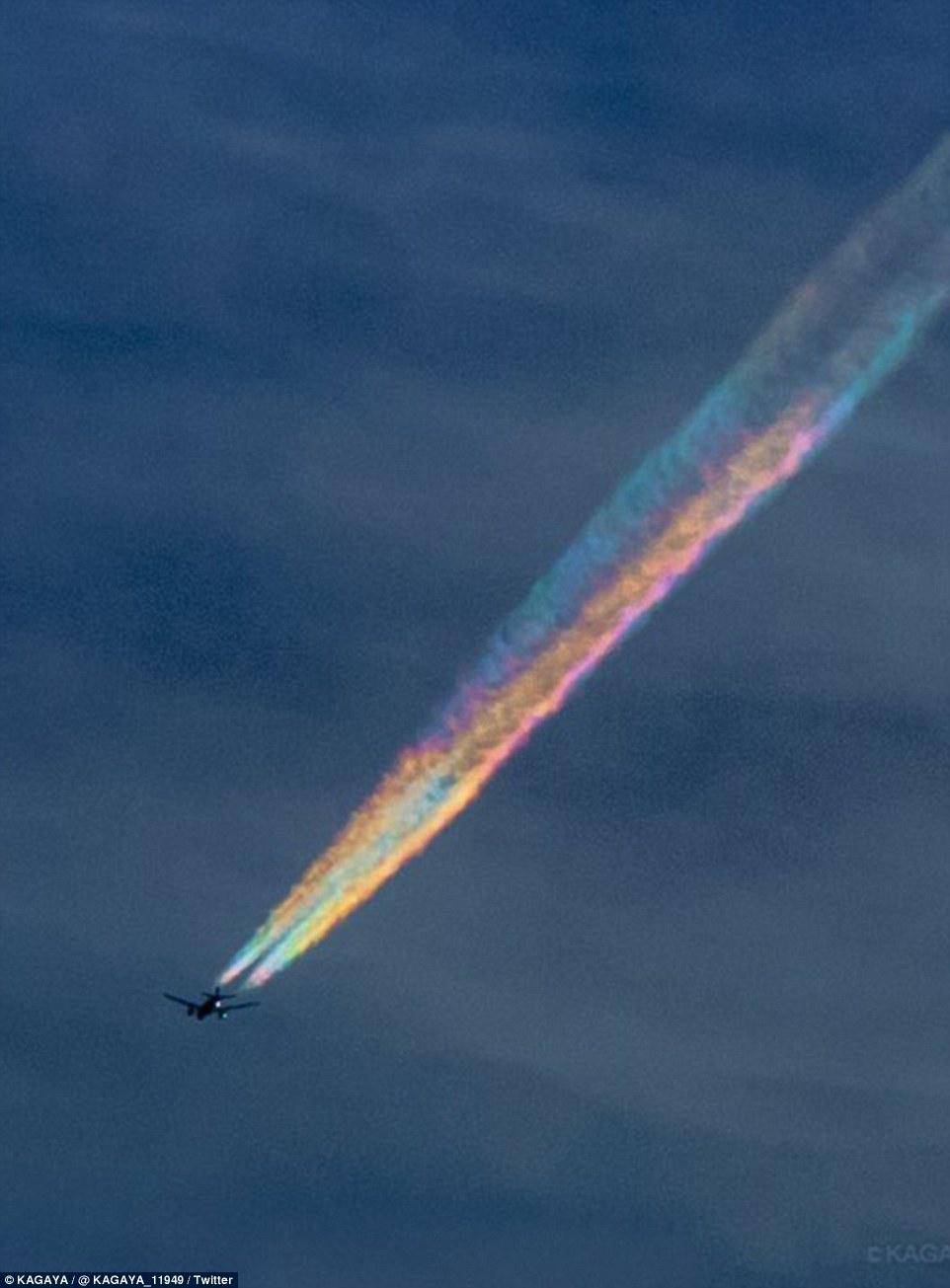 nuvens-coloridas-no-Japao_01