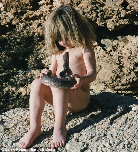 menina-cresce-na-selva_9