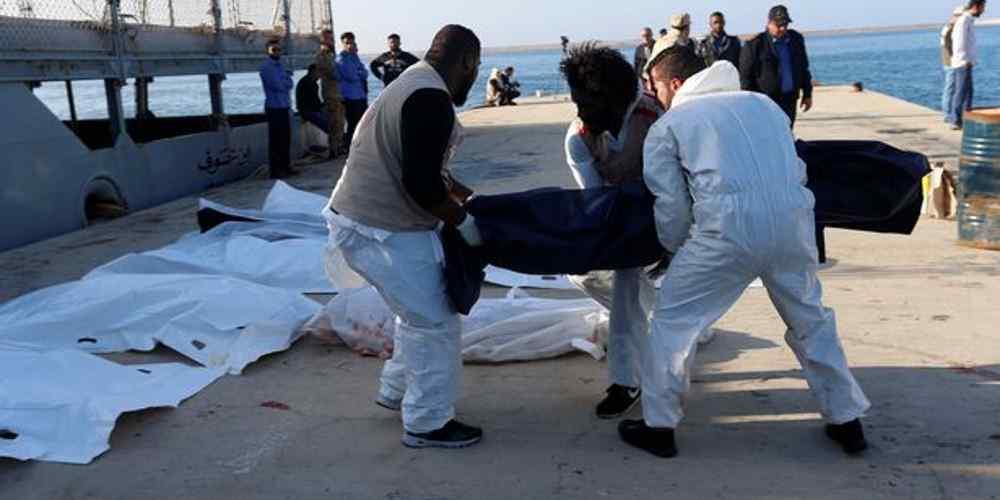 imigrantes-devorados-por-tubaroes